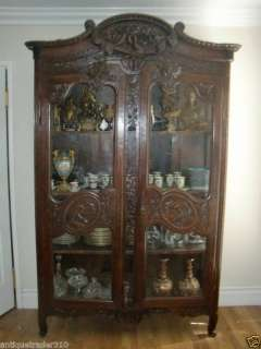 ANTIQUE SPECTACULAR FRENCH COUNTRY OAK WOOD ARMOIRE