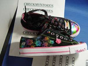 nwt Skechers Shuffles Starbloom Sneaker sz 3.5 BIG KID