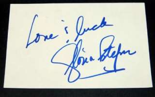 LOVELY SINGER GLORIA ESTEFAN SIGNED CARD AND GREAT PRINT
