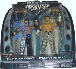 WWE REY MYSTERIO JR MANIA 22 FIGURE SIGNED WITH PROOF