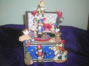 Music Box, Christmas Toy Chest, Plays Jingle Bells, OB