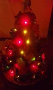Danbury Mint Peanuts Holiday Christmas Tree w Snoopy Charlie Brown w