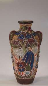 ANTIQUE JAPANESE SATSUMA MORIAGE POTTERY VASE TWO MEN