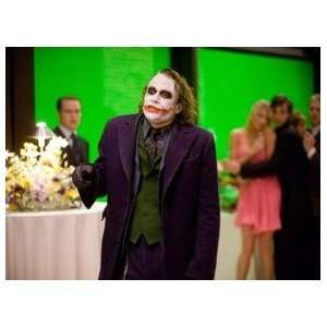HEATH LEDGER Dark Knight / Batman UNSIGNED 8X10 PHOTO OF THE JOKER~