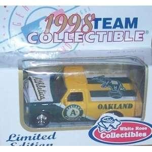 Ford F 150 Pickup Truck 1998 Diecast Matchbox MLB 1/64 Scale Car