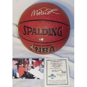 Magic Johnson Autographed Indoor/Outdoor Basketball Sports & Outdoors