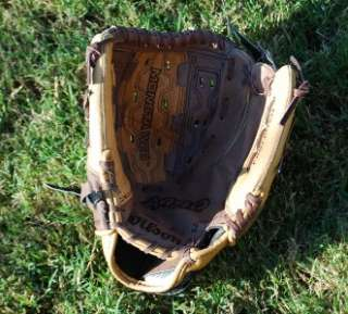 New Wilson Leather Softball Baseball Glove Ball Fastpitch A440 11.5